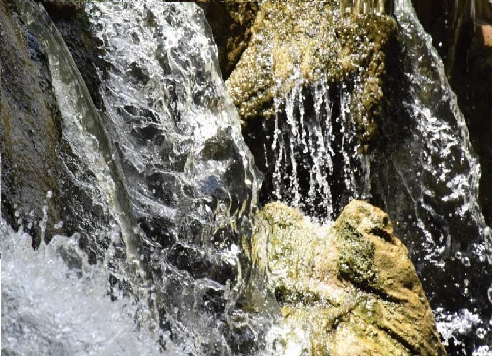 عشر نقاط عن فوائد ماء زمزم العلاجية لجسم الانسان Tops Arabia